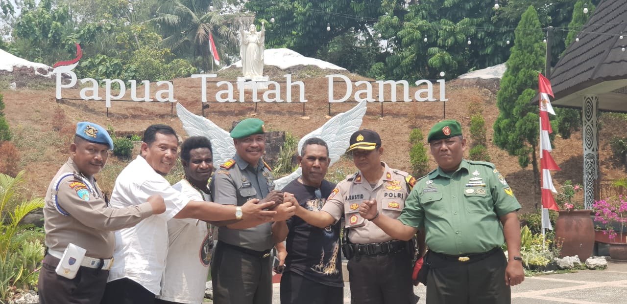 Jalin tali Asih silaturahmi dengan Komunitas Papua