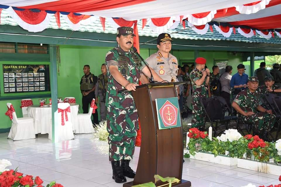 Panglima TNI: Sinergitas TNI-Polri Untuk Menjaga NKRI Panglima TNI: Sinergitas TNI-Polri Untuk Menjaga NKRI