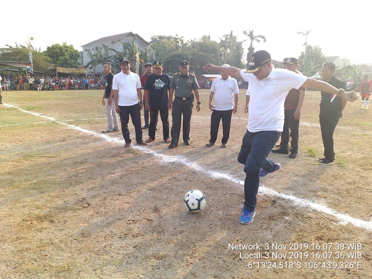 Danramil 04/Ciledug Bersama Wakili Wali Kota Saksikan Final Sepak Bola Porsegep