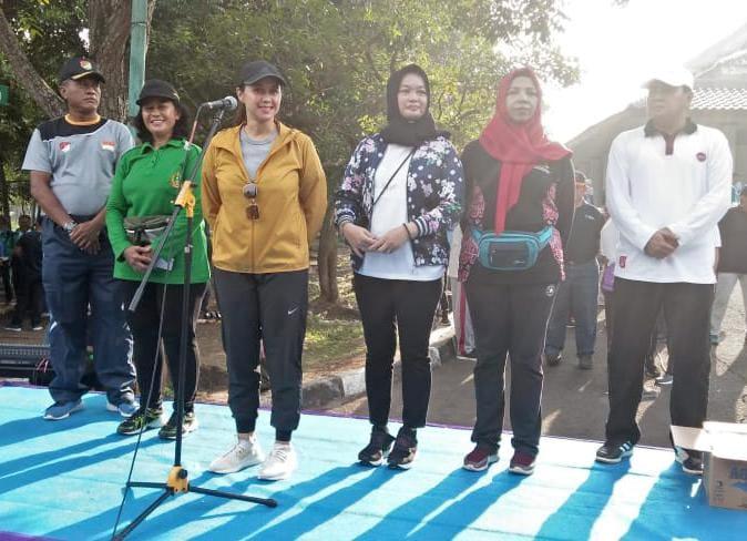 Jaga Solidaritas Dan Kebugaran Kasdim 0510/Trs Ikuti Jalan Sehat