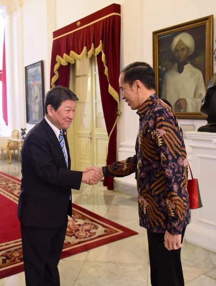 Terima Menlu Motegi, Presiden Jokowi Ajak Jepang Investasi di Natuna