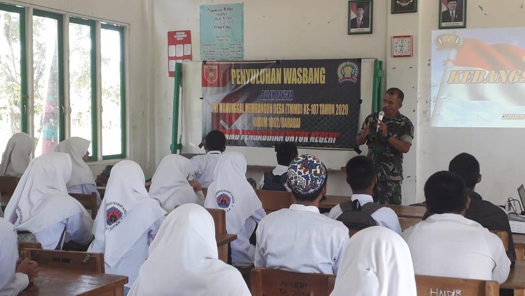 Siswa SMK Al Hidayah Terima Pembekalan Wawasan Kebangsaan
