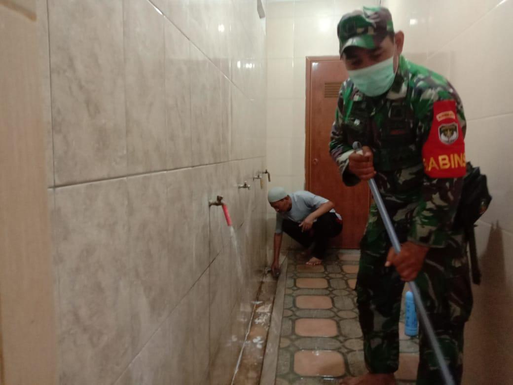 Sosialisasi Virus Corona Pada Jemaah Masjid Oleh Anggota Koramil Pondok Aren