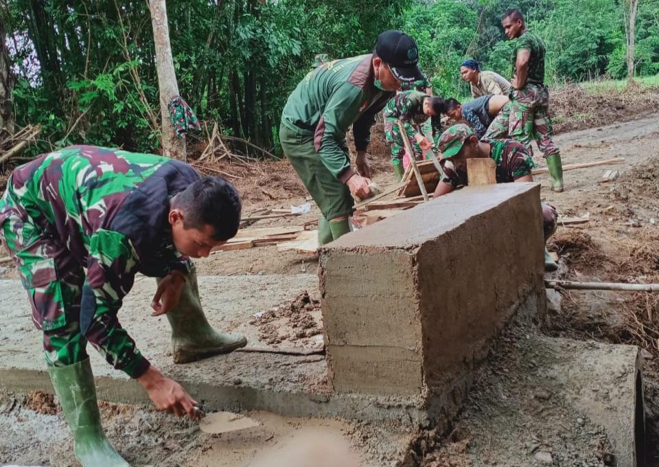 Kodim 1002/Barabai Pasang Gorong Gorong Dalam TMMD ke-107