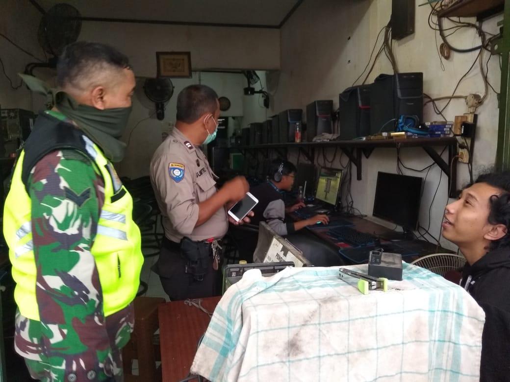 Koramil-702/Pondok Gede Sambangi  Warnet