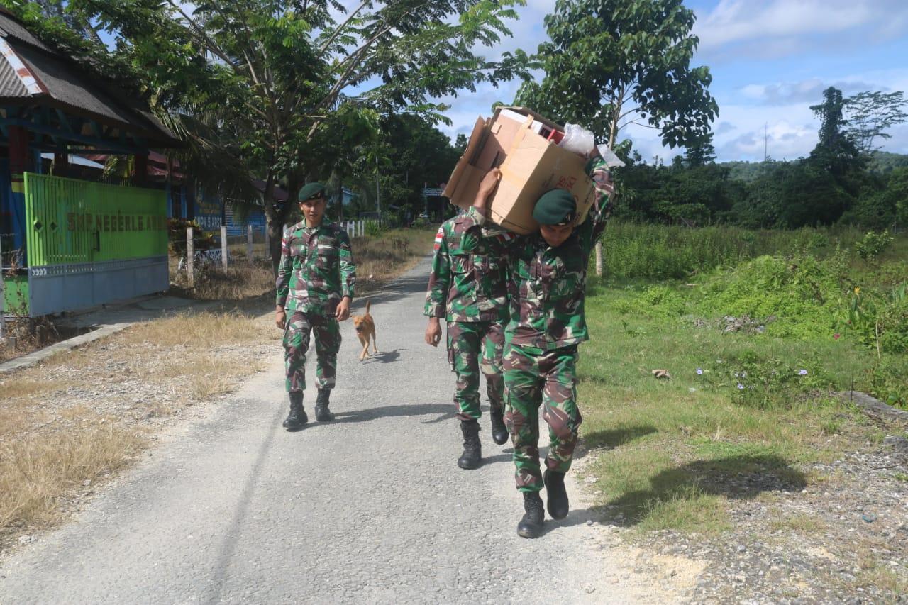 Satgas Raider 300 Berikan Alat Penetas Telur Guna Membantu Perekonomian Masyarakat