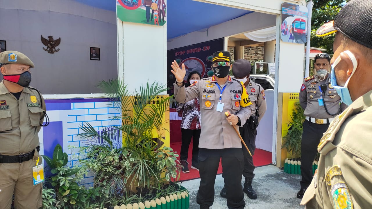 Kombes Pol Dwi Tunggal Jaladri, S.I.K., S.H., M.Hum. ,Menggelar Penertiban PSBB Perdana