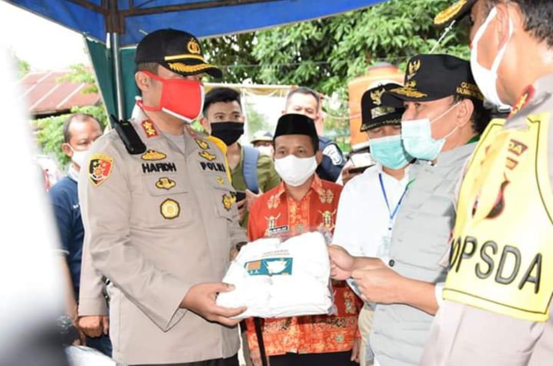Gubernur Kalteng Tinjau Bartim, Serahkan Bansos, Pantau Covid-19.