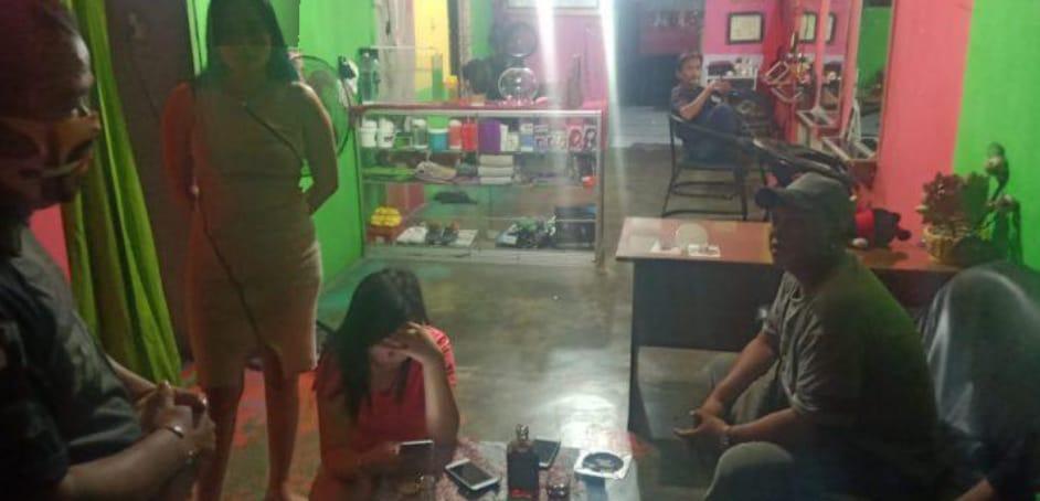 Salon Amora Pangkalanbun, Sediakan Miras Dan Esek Esek