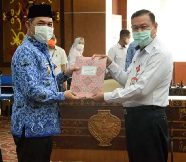 Pemprov Kalteng Serahkan 8 Permendagri Batas Daerah Antar Provinsi dan Kabupaten