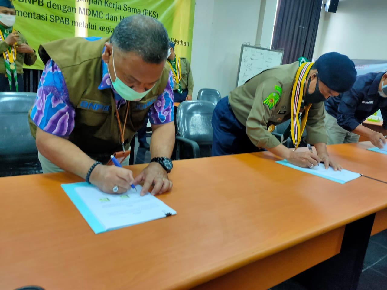 Kerja sama BNPB dengan MDMC dan Hizbul Wathan Implementasikan SPAB