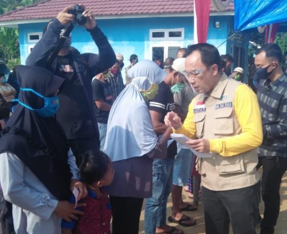 BLT sebanyak 1.415 KPM Kecamatan Baradatu, Diserahkan Oleh Raden Adipati Surya