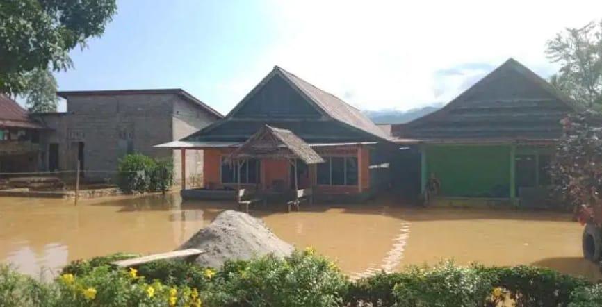 Harapan Kades Bantuan Pemprov, Rumah Warga Banjir