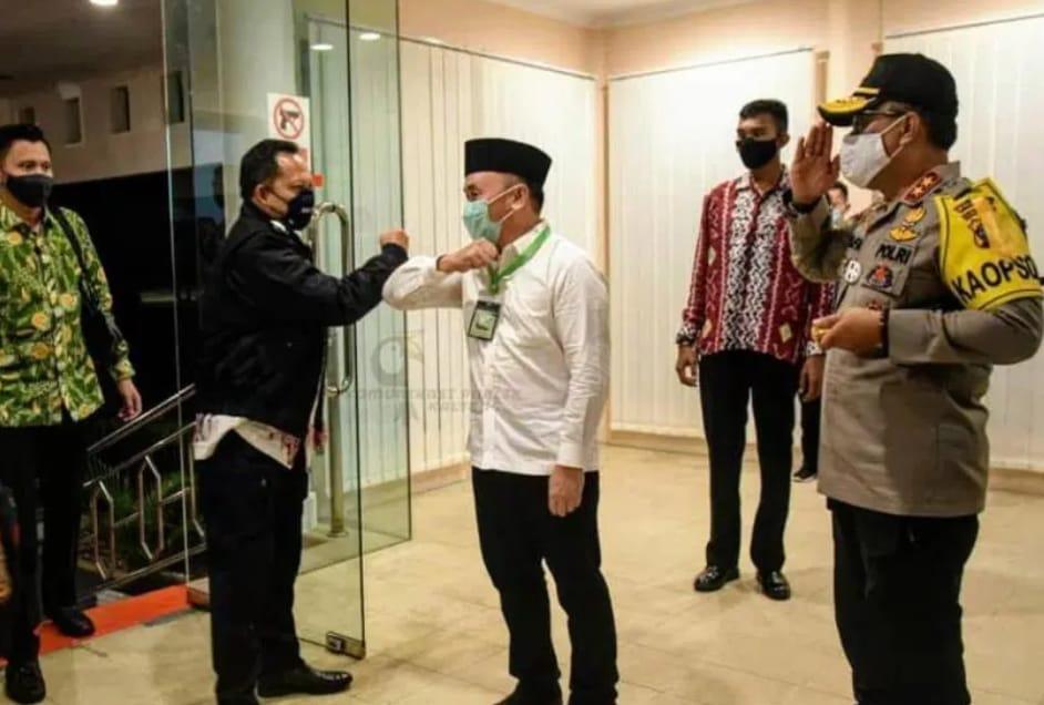 Kapolda Kalteng Sambut Kedatangan Mendagri Tito Karnavian