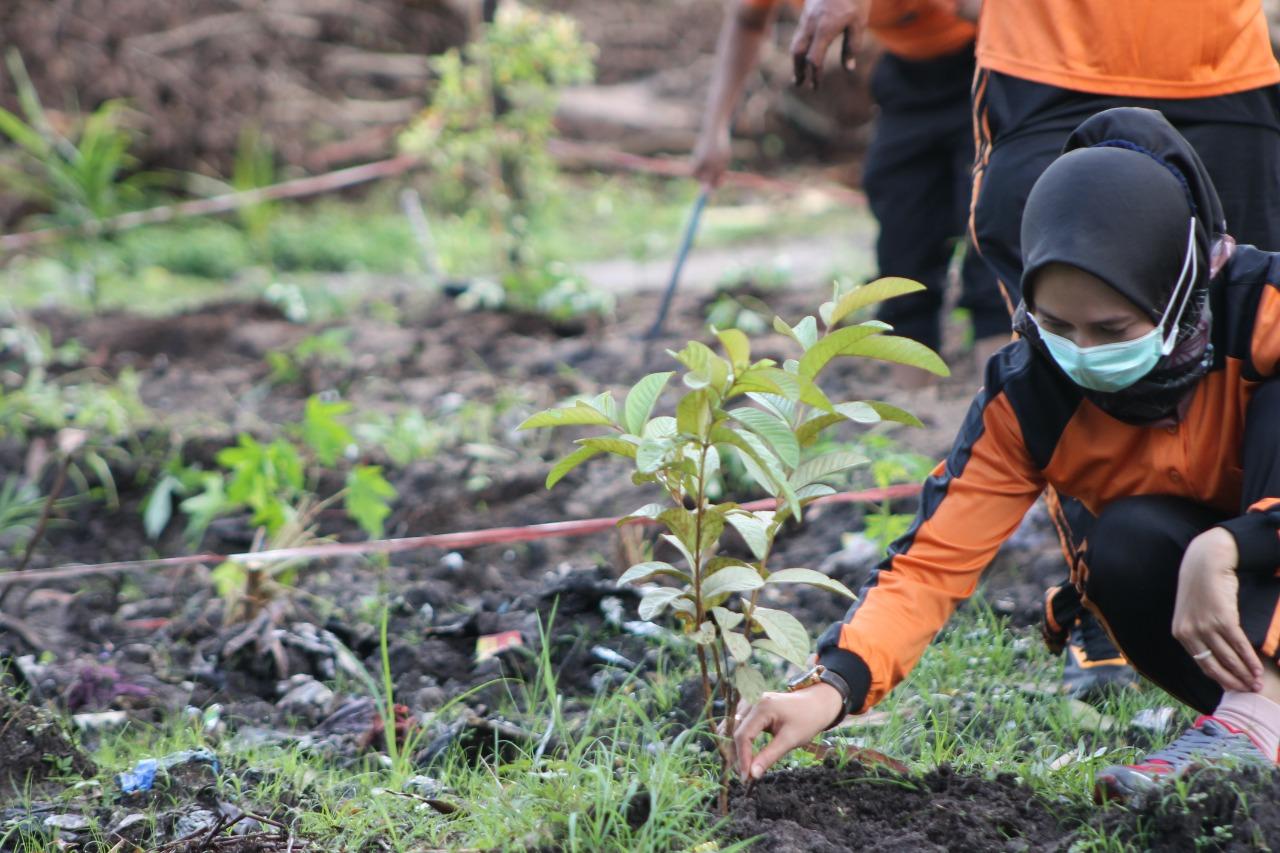 Polresta Palangka Raya, Dukung Ketahanan Pangan, Kelola Kebun Produktif.