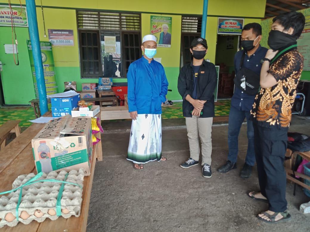 HMI Komisariat Teknik Universitas Palangkaraya Salurkan Sembako ke Pondok Pesantren