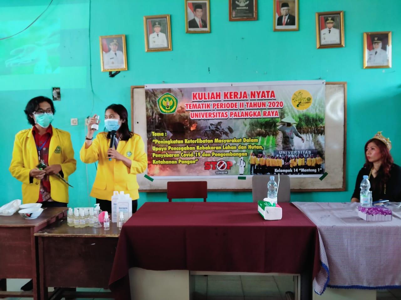 Antusias warga RW 001 dalam mencegah virus covid 19 dengan inovasi handsanitizer