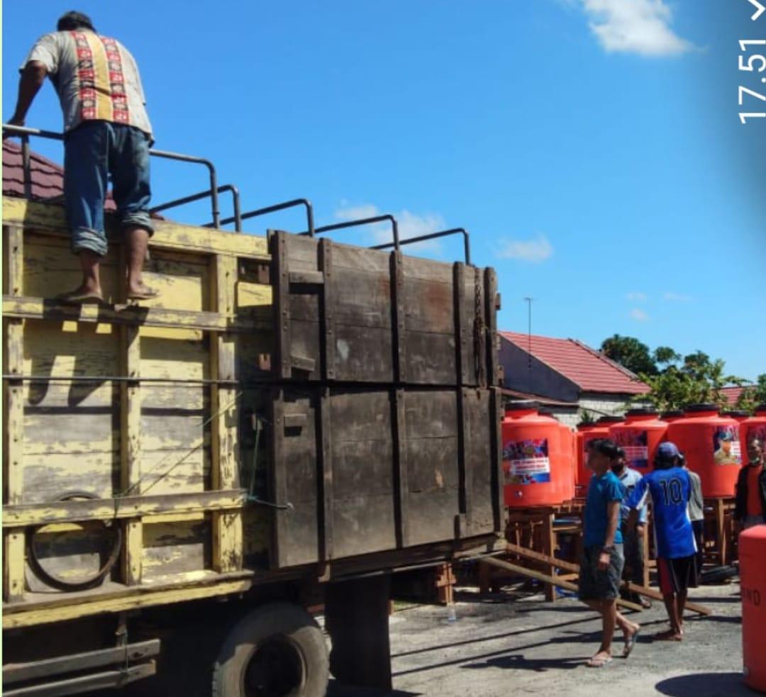 Bantuan dari H.Sugianto Sabran 87 Buah Tandon Air Untuk Fasilitas Umum