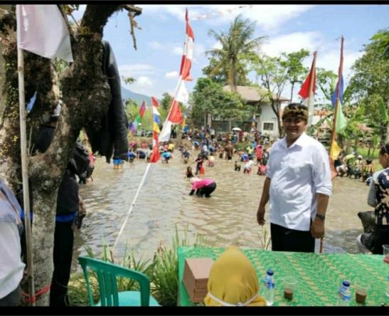 Dalam Rangka Memeriahkan Hari Kemerdekaan RI Ke-75,Kepala Desa Citaman Menghadirinya
