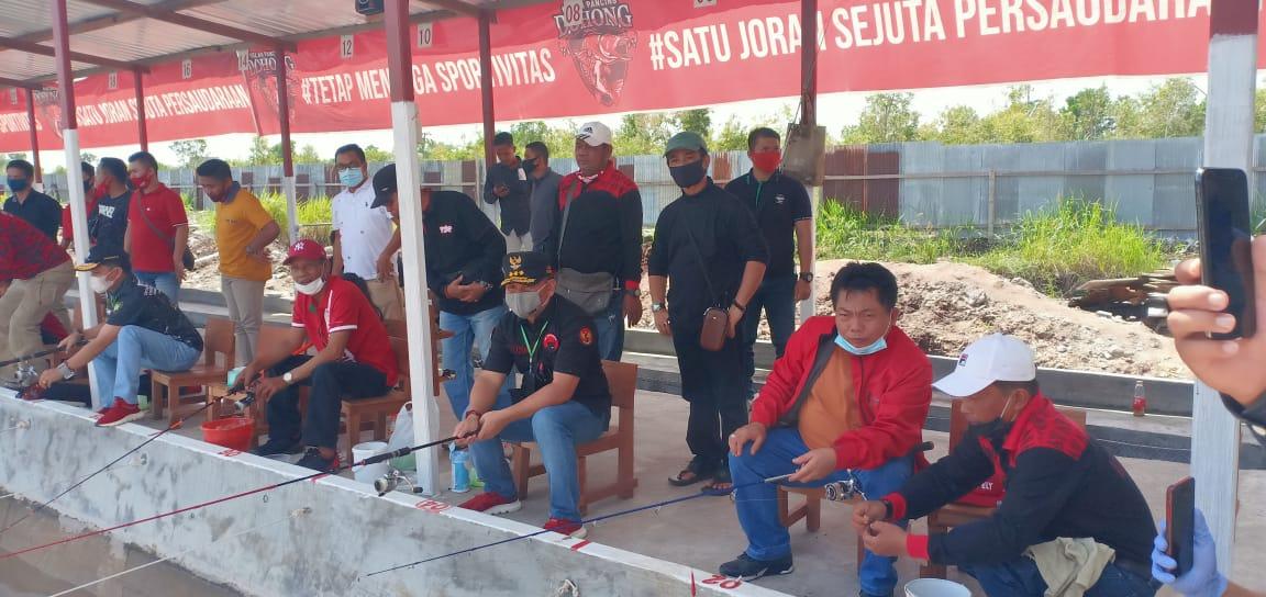 Dalam rangka HUT RI ke 75, PDIP Kalteng Adakan Lomba Memancing Mania.