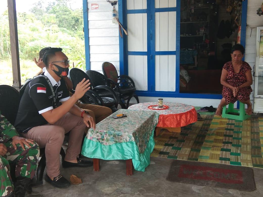 Polsek Banama Tingang Bersama Unsur Tripika Kecamatan Berikan Pemahaman Terkait Penutupan Sementara Pasar Mingguan Di Desa Lawang Uru