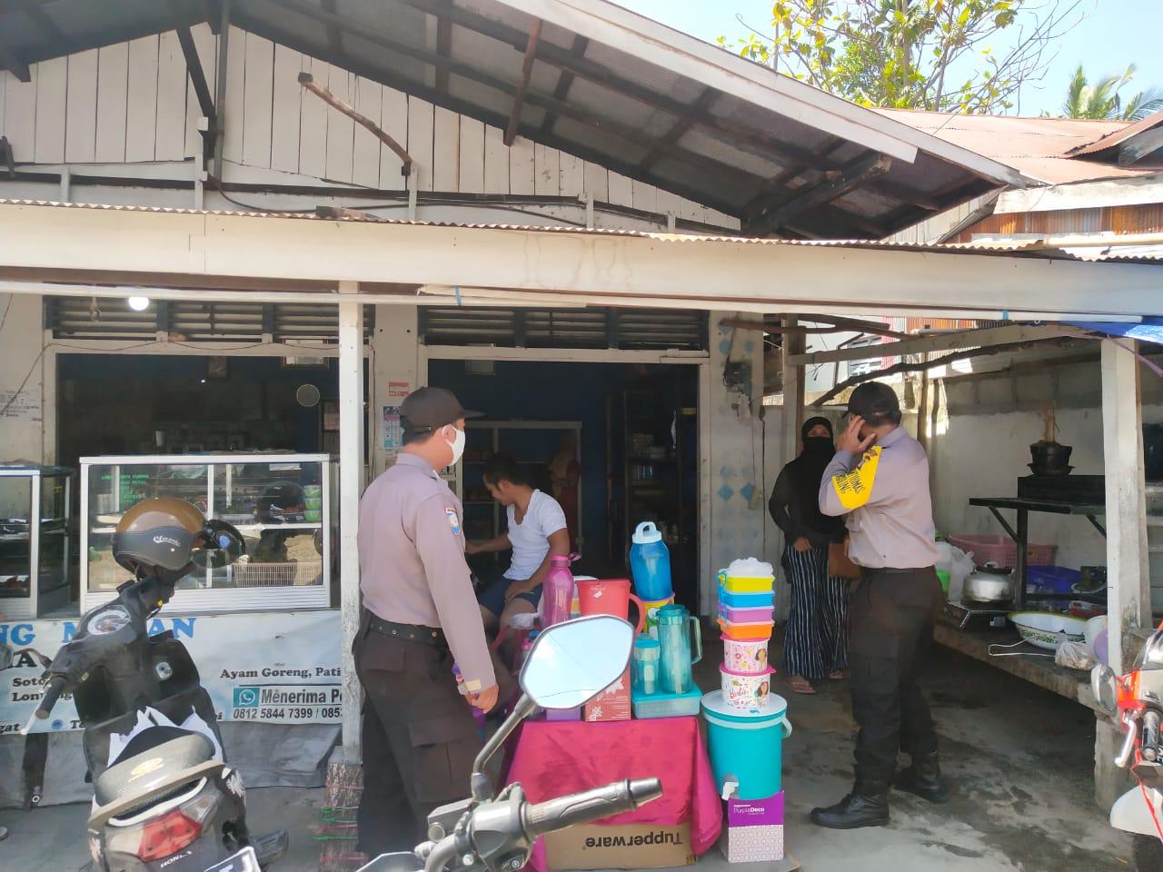 Sambangi Pasar Rakyat, Polsek Bukit Batu Imbau Masyarakat Agar Gunakan Masker