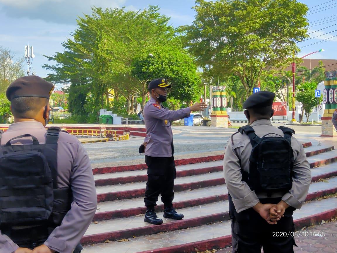 Kabagops Polresta Palangka Raya Pimpin Apel Kesiapan Pengamanan Aksi Solidaritas di Tugu Soekarno