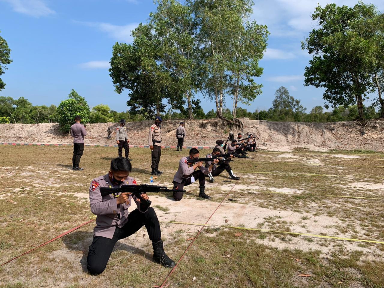 Peserta Seleksi Kontingen Satgas Garbha FPU 3 Minusca dan Kontingen Satgas Garbha II FPU 13 Unamid 2020 Jalani Tes Menembak
