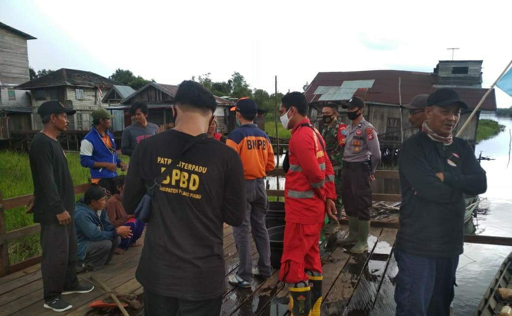 Tim Patroli Terpadu Cegah Kebakaran Hutan dan Covid-19 dengan Menghimbau Warga Ikut Berperan Aktif Cegah Karhutla dan Patuhi Protokol Kesehatan