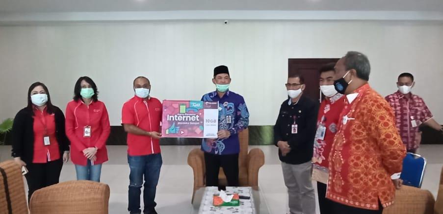 136.000 Siswa SD, SMP, SMA/ SMK Kurang Mampu di Kalteng Menerima Kouta Internet Gratis Dari Telkomsel