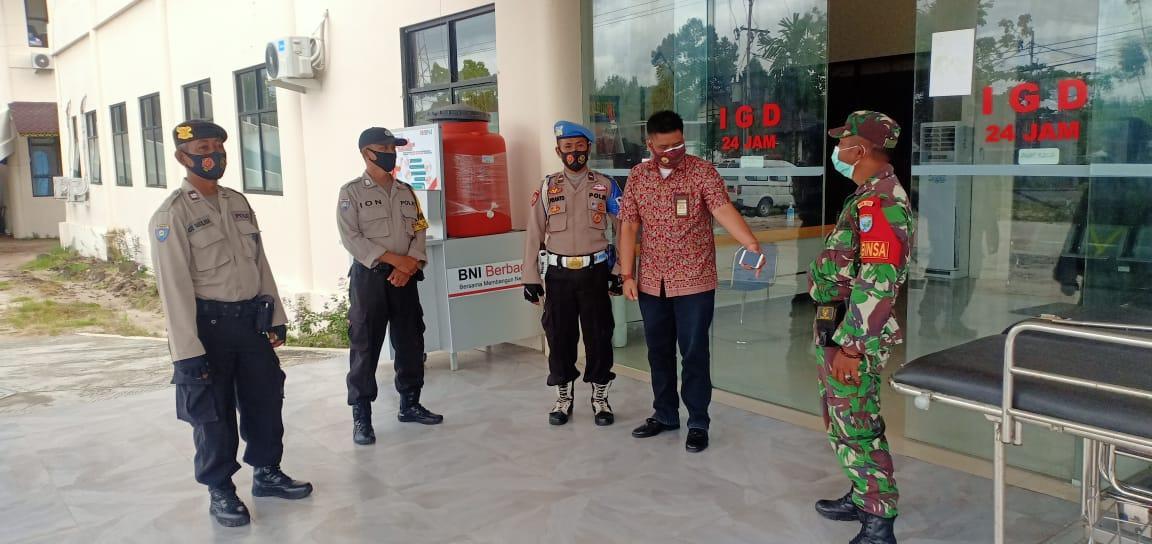 Sinergi TNI-Polri Amankan Rumah Sakit Rujukan Covid-19 di Kecamatan Sabangau Palangka Raya