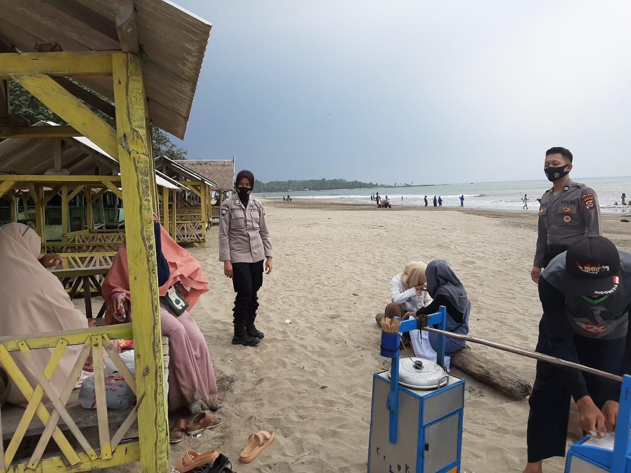 Disiplinkan Masyarakat Di Wisata Pantai Untuk Terapkan Protokol Kesehatan