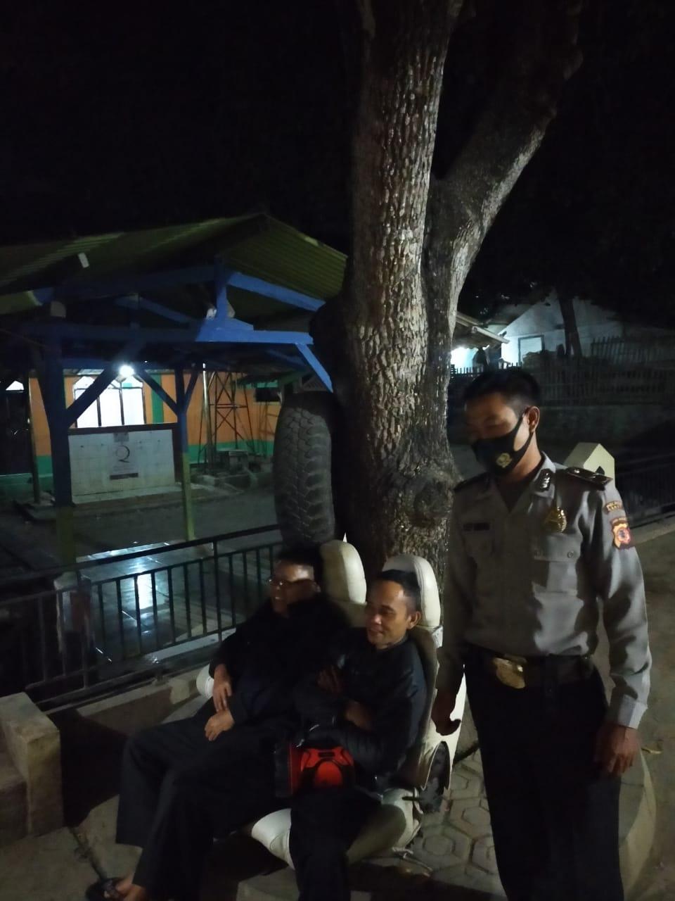 Polsek leuwigoong Patroli Antisipasi Cegah Penyebaran Virus Covid 19 Dan Himbauan 3 M
