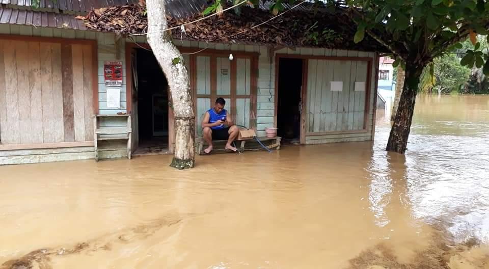 Terendam banjir, Di Kelurahan Tumbang Napoi, Kecamatan Miri Manasa