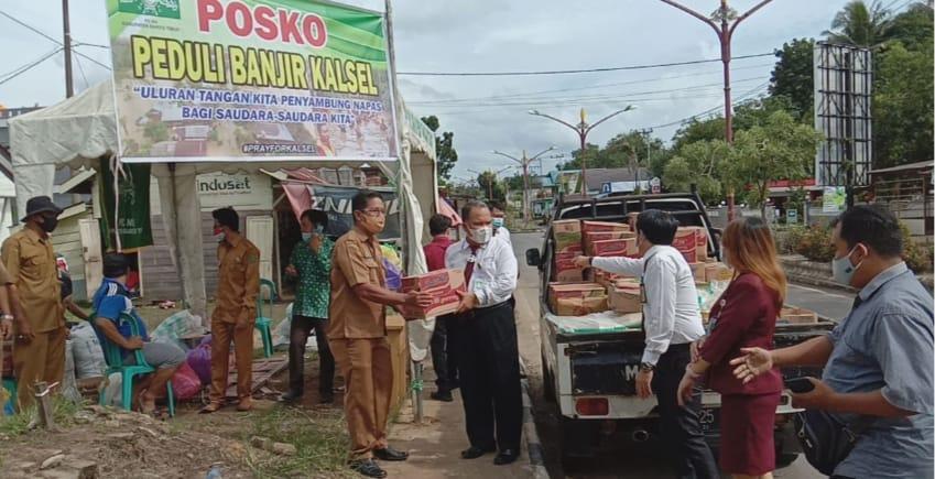 Kepedulian Cabang  Bank Kalteng Bartim, Bantu Sembako Musibah Banjir Kalsel