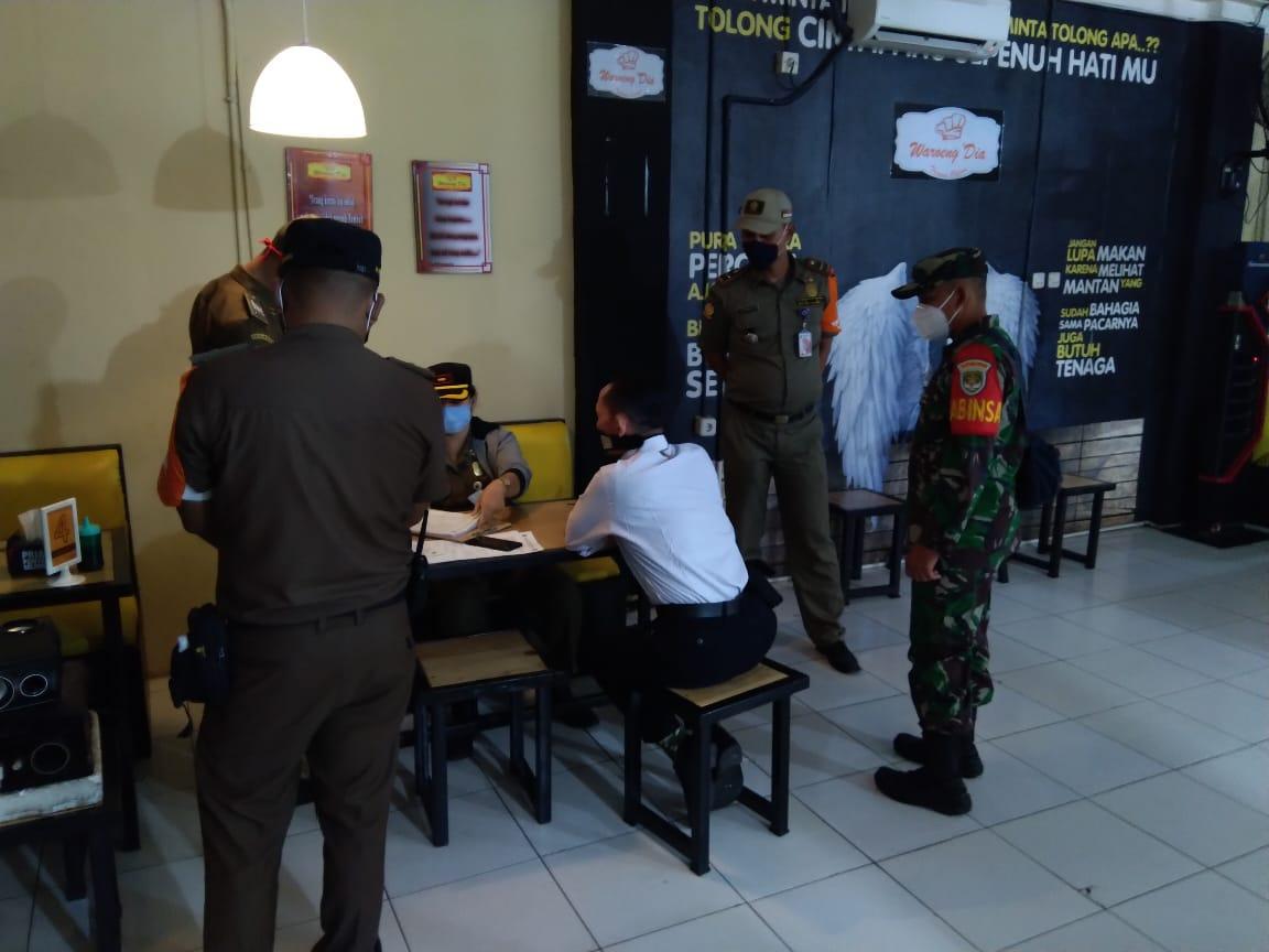 Tiga Pilar Cengkareng Patroli Penerapan Pergub No. 2 Thn 2021