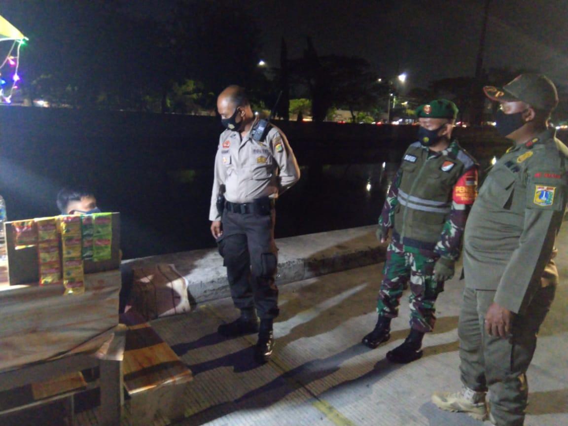 Penerapan PDMPK, Tiga Pilar Gelar Patroli Rutin Malam Hari