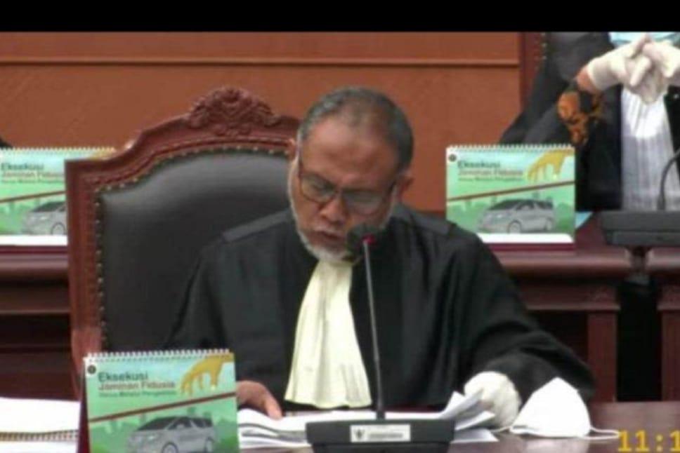 Sidang Pendahuluan Gugatan Pemilukada di Gedung Mahkamah Konstitusi (MK) Bambang W,   Batalkan