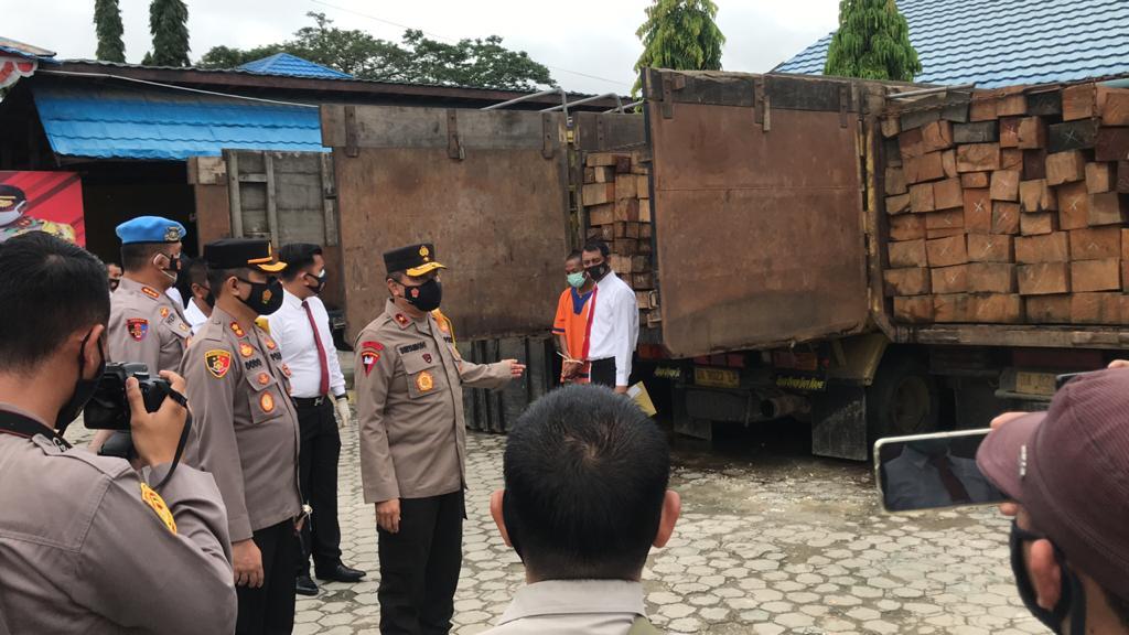 Wakapolda Kalteng Sampaikan Press Release Penangkapan Pelaku Ilegal Logging di Wilayah Hukum Polres Barito Utara