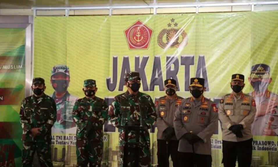 Giat : Panglima TNI dan Kapolri Bagikan Masker di Pasar Tanah Abang