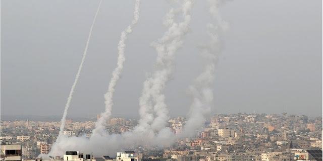 Hamas Hujani Israel, Ratusan Roket Desak Tel Aviv Tarik Pasukan Dari Masjid Al-Aqsa