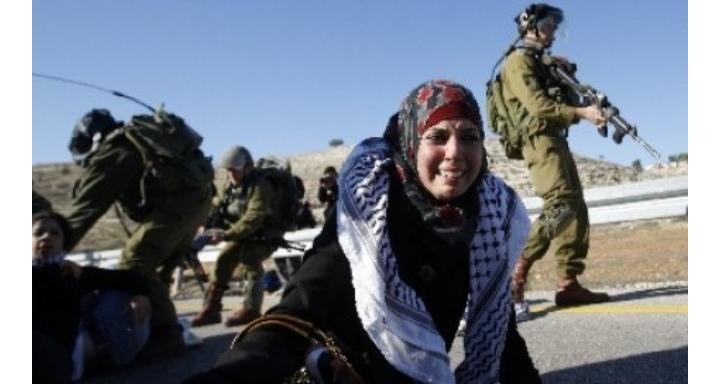 Israel Serang Masjid Al Aqsa, 200 Orang Terluka