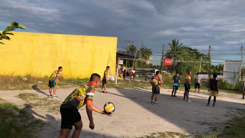 Koramil Kumai Gelar Pertandingan Bola Volly Bersama Warga