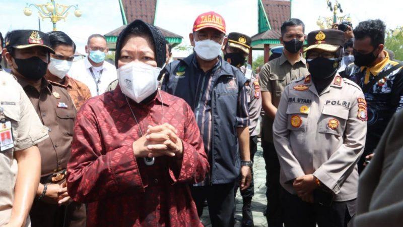 Wakapolda Kalteng Dampingi Mensos Tinjau Lokasi Banjir Di Katingan