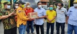 DPD Partai Golkar Kalteng, menerima bantuan paket sembako dari  DPD Partai Golkar Kalsel