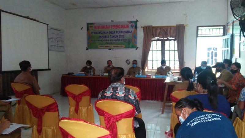 Musrenbang Desa membicarakan masalah dan potensi desa