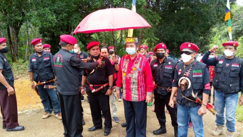 Komandan BATAMAD Team Desa Karamuan, Dilantik Diperkuat Dengan Pengukuhan