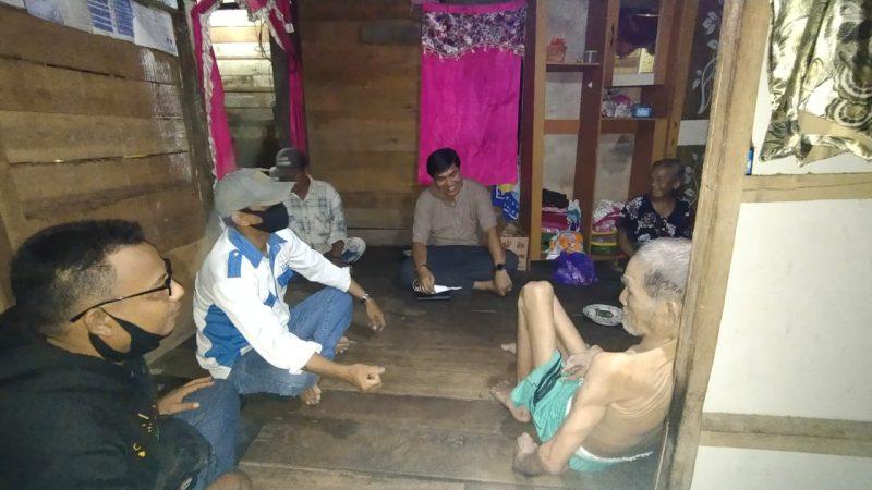 Ketua Komisi III DPRD Kabupaten Pulang Pisau Didampingi Tim PPWI Peduli Kunjungi Warga Disabilitas